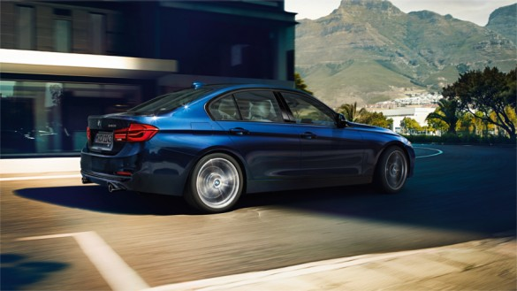 BMW 3 Series Sedan : At a glance