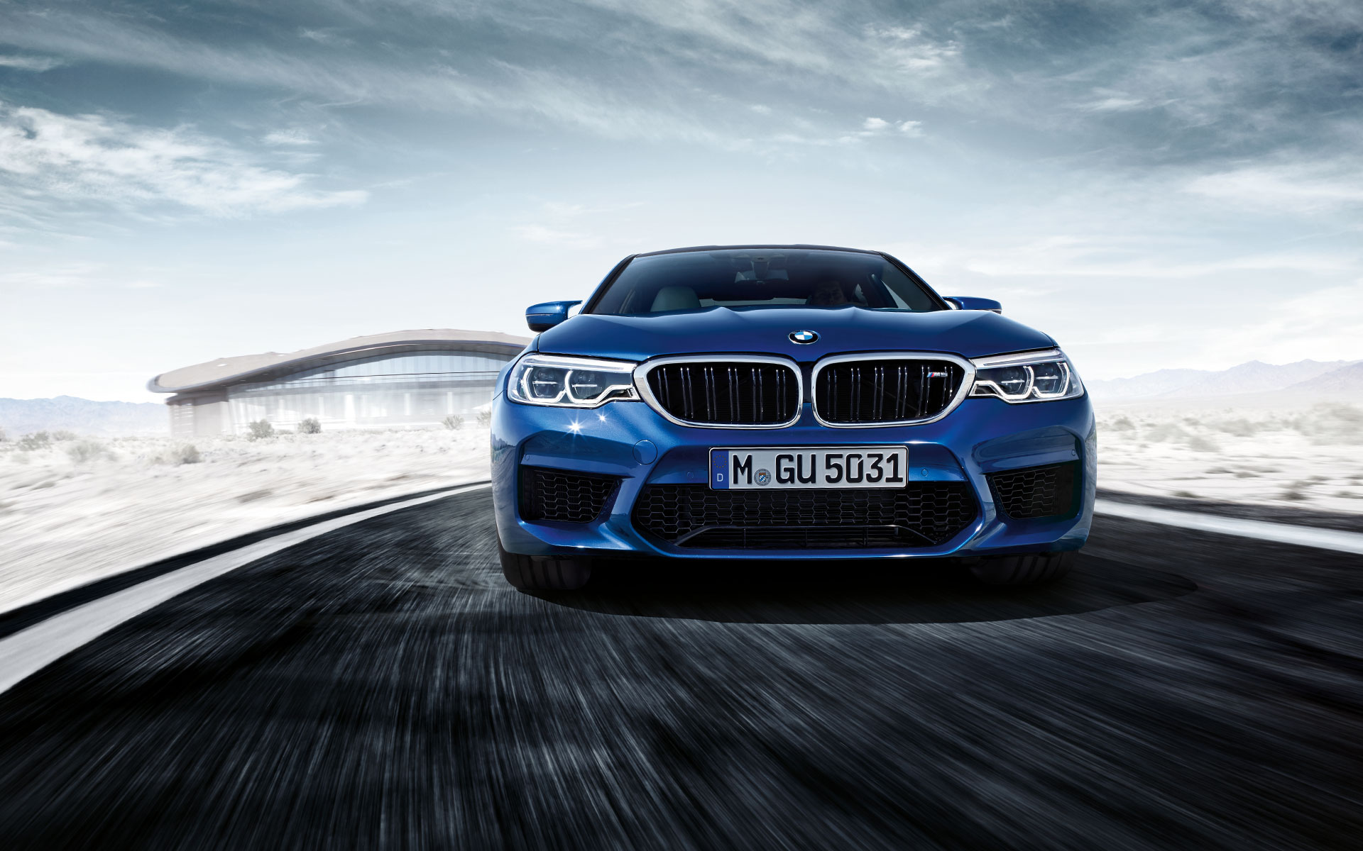 BMW M-Series Sedan blue: bumper perfection