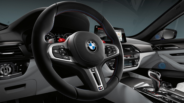 BMW M-Series M5 Sedan new technology steering wheel