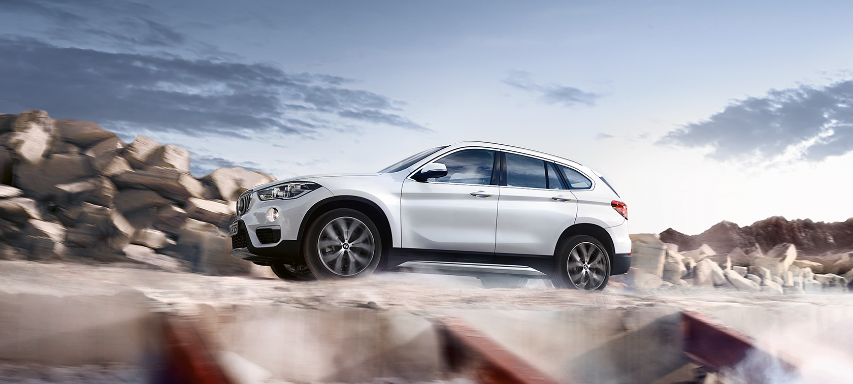 BMW X-Series X1 white side view: skyline