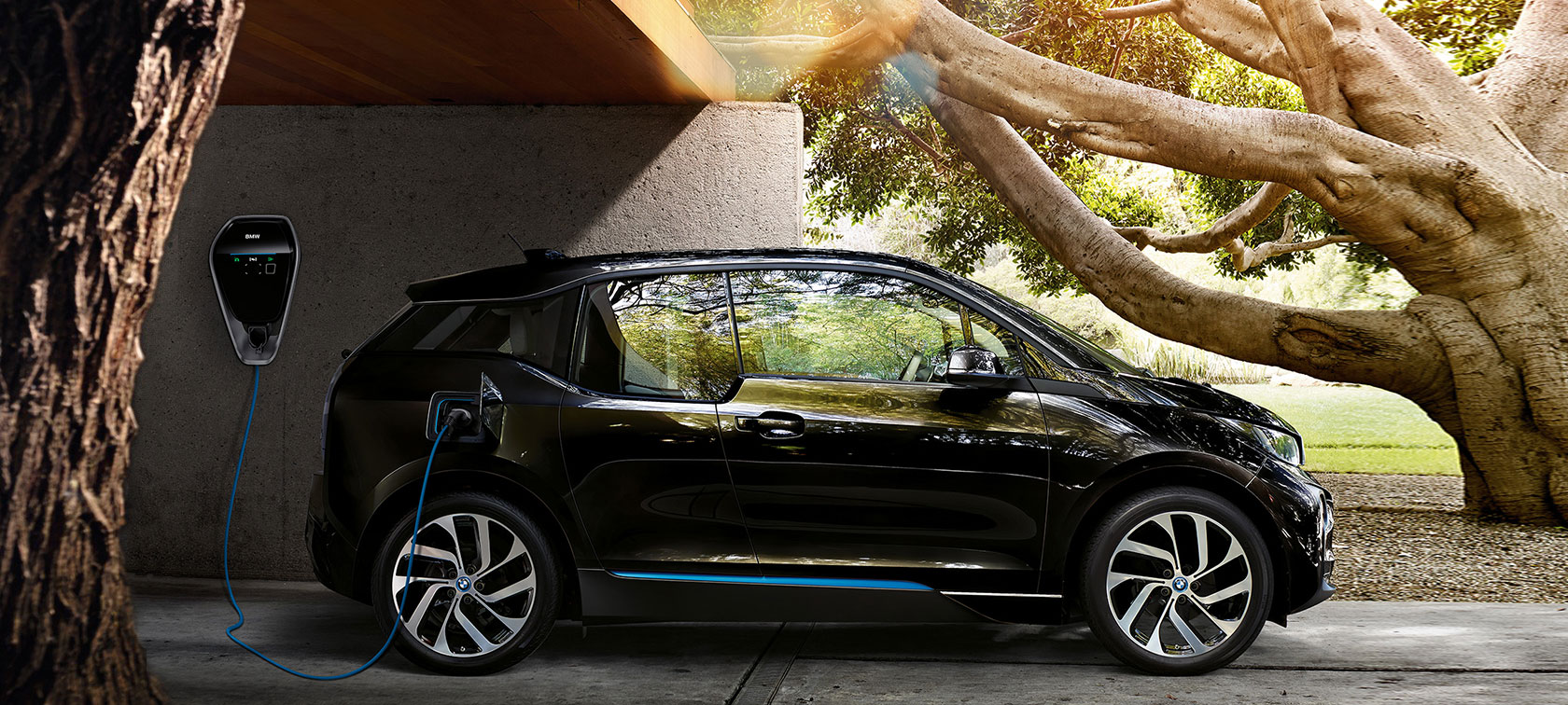 BMW black:sustainable charging