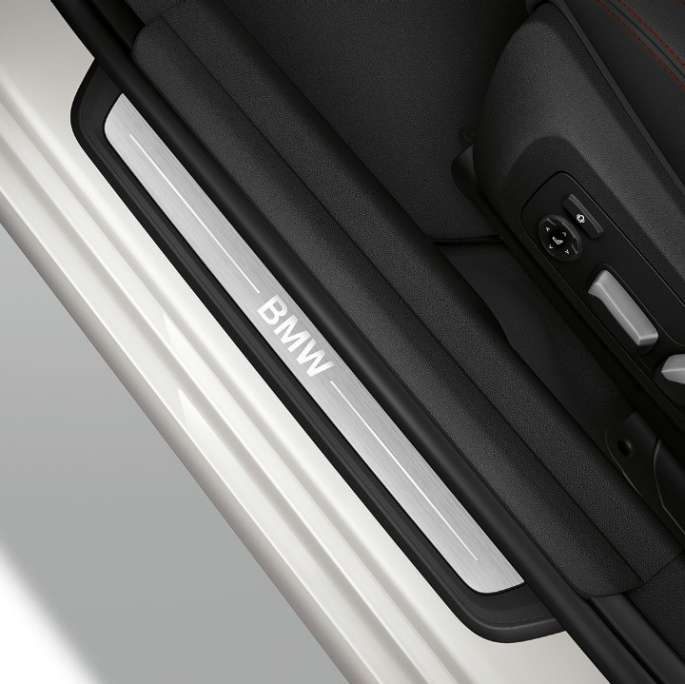 Top view of the door sill of the BMW 3 Series Sedan with Model Sport Line features.