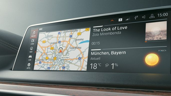 BMW 7 Series Sedan: Microsoft Office 365 on Control Display